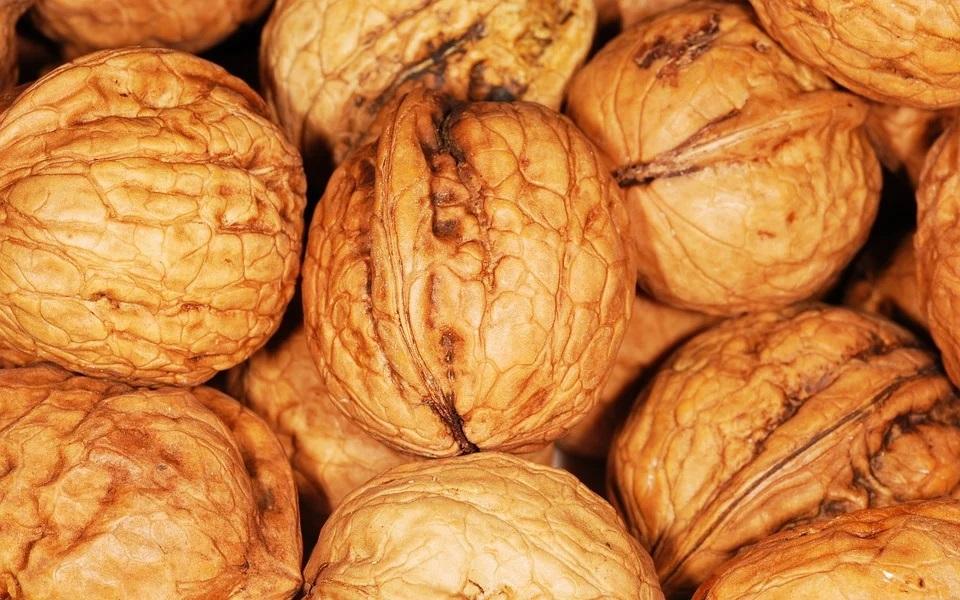 I s ořechy jde hubnout