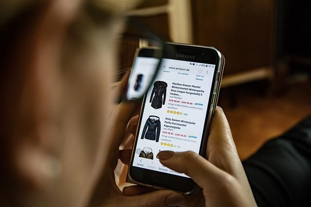 Nakupování oblečení on-line